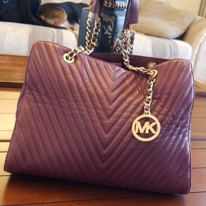 💜 MICHAEL KORS QUILTED BAG